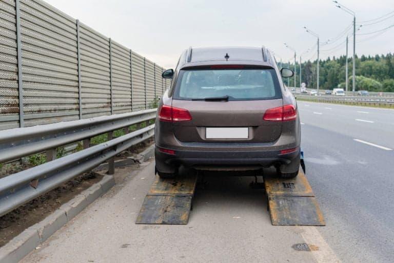 broken suv on highway auckland car wreckers
