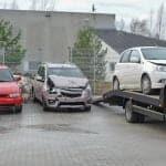 unloading broken car